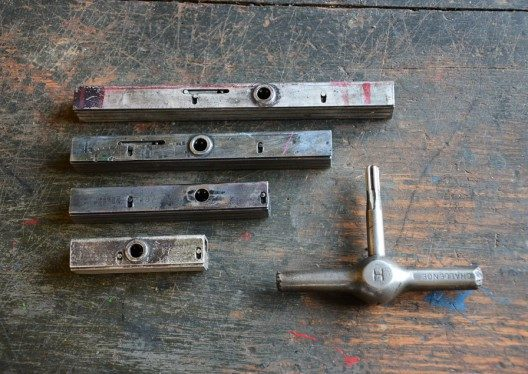 high speed quoins and key