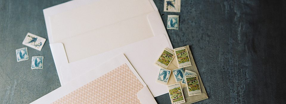 Create unique envelopes with Bella Figuras custom envelope liners