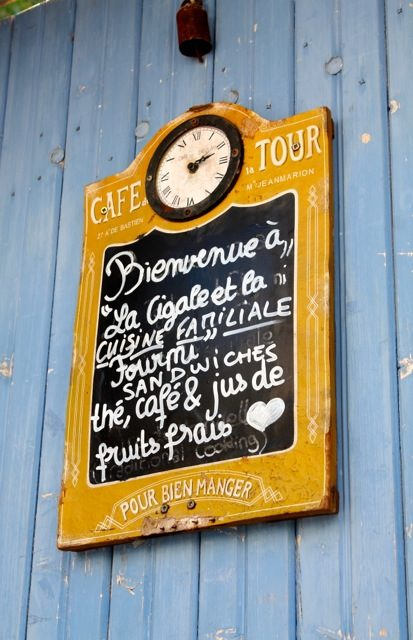 Bella Figura designer travels with Sarah Hanna. A gorgeous hand-lettered sign outside of a restaurant in France.