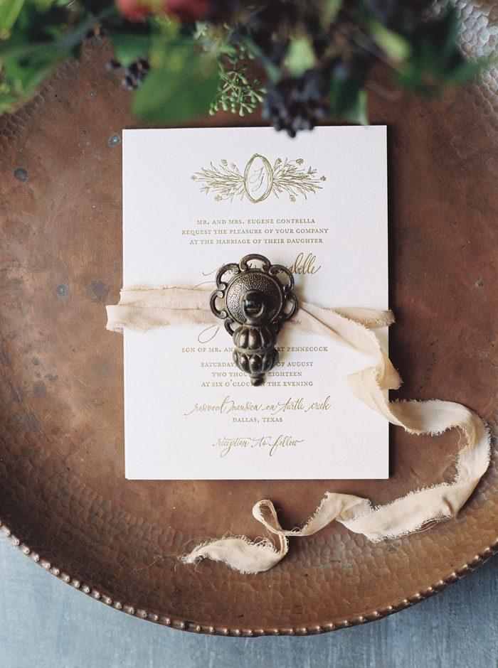 Cordelia wedding invitations from Bella Figura | Photography by Kate Ignatowski