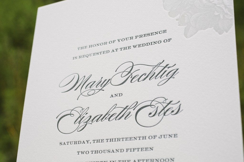 Monochromatic elegant wedding invitations | Bella Figura