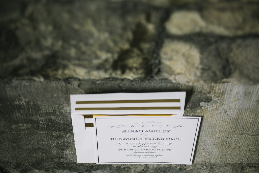 Elegant black and gold wedding invitations | Bella Figura