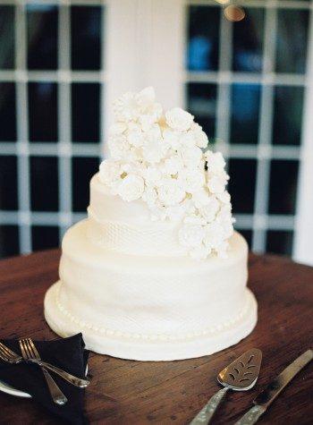 White floral wedding cake by Edible Art