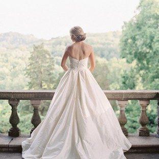 A real Bella Figura bride in Modern Trousseau