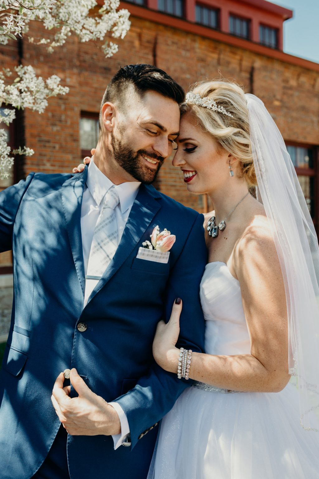 Summer wedding inspiration shoot in downtown Syracuse featuring Bella Figura wedding invitations | Photos by Nicole Lagoe Photography