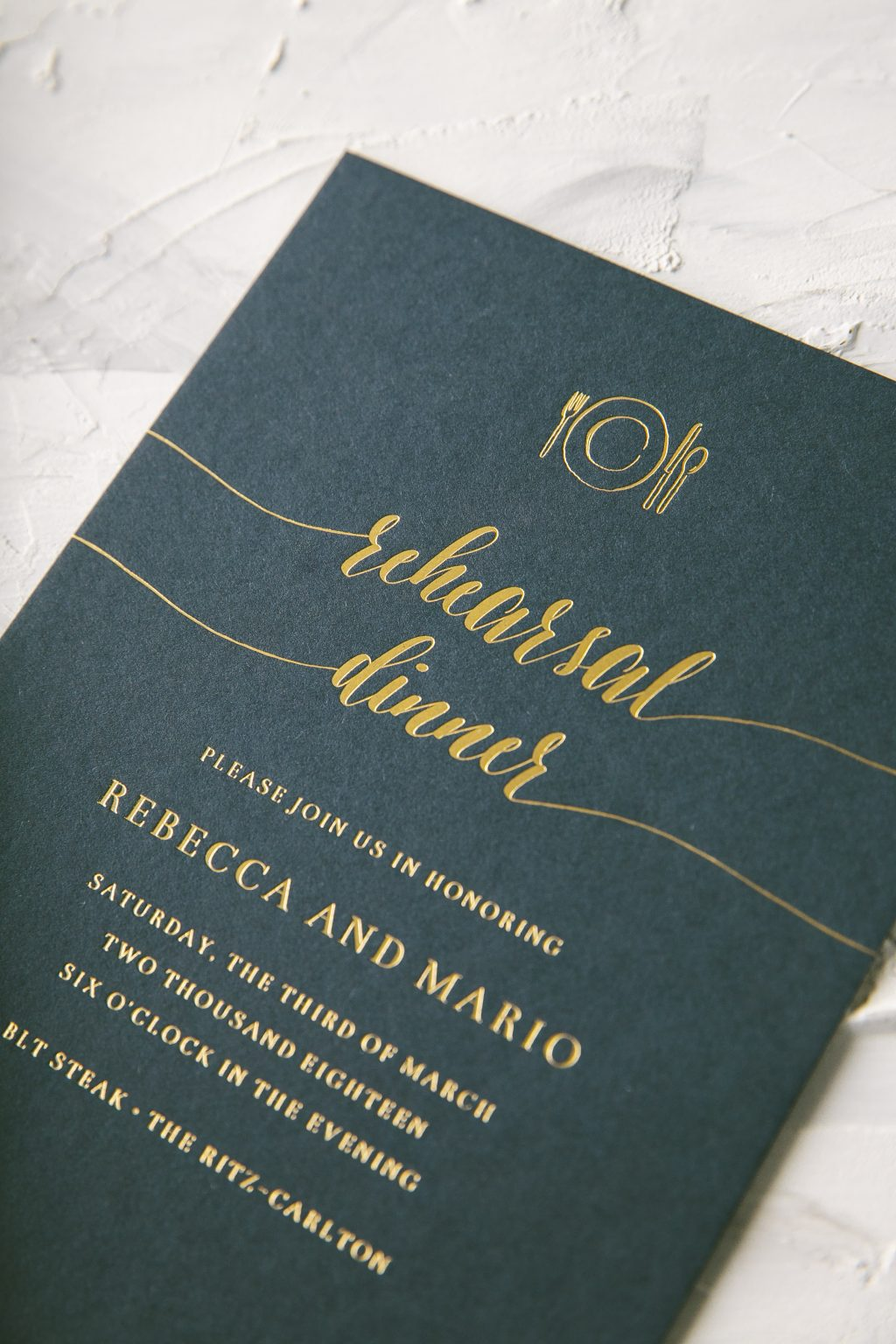 Modern foil and palm tree wedding invitations | Bella Figura