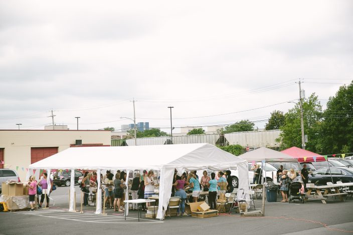 Shoppers at the 2016 Smock Sidewalk Sale