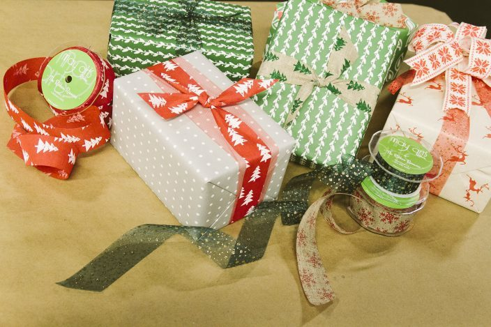 Smock gift wrapping workshop with May Arts Ribbon
