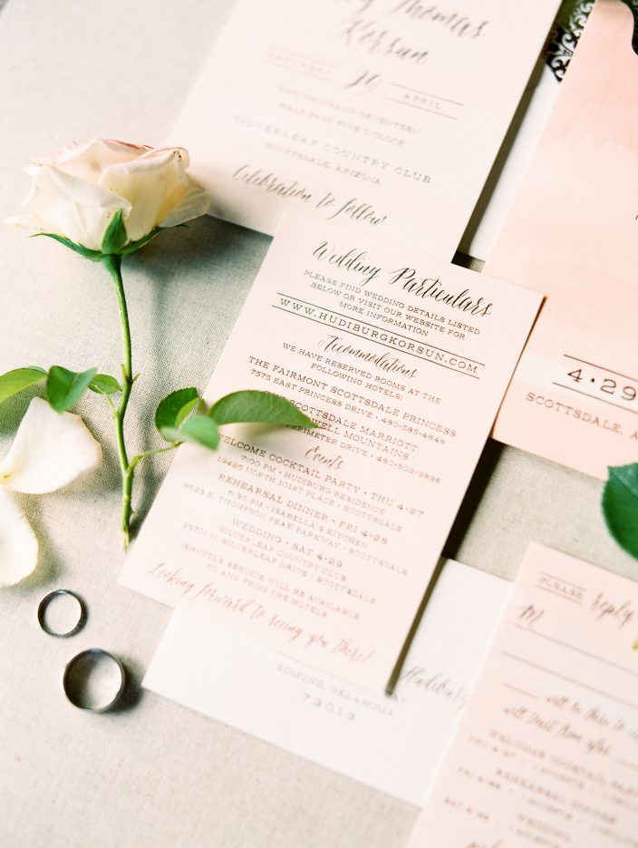 Real wedding featuring blush + rose gold foil stamped wedding invitations by Smock | Photos by Rachel Solomon Photography