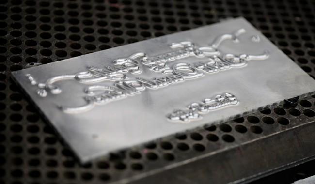 photo of Magnetic Base a type of letterpress base