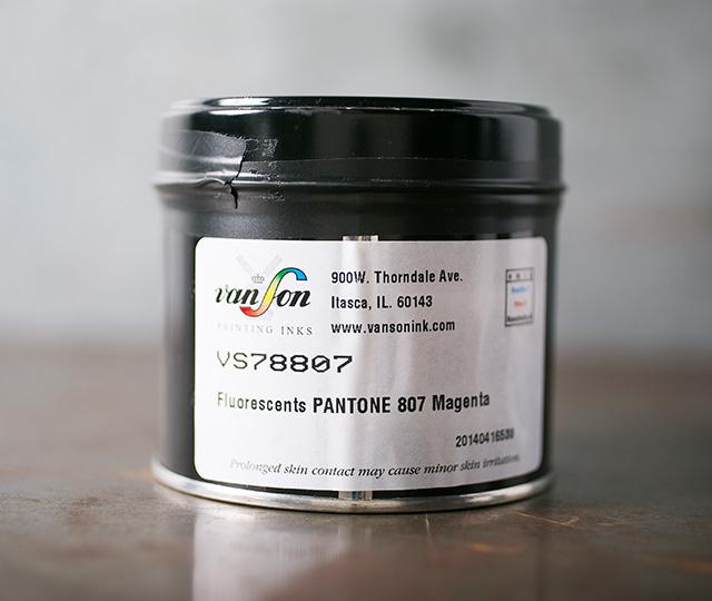 Pantone Magenta 807